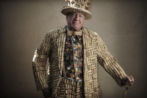Large_cork_suit